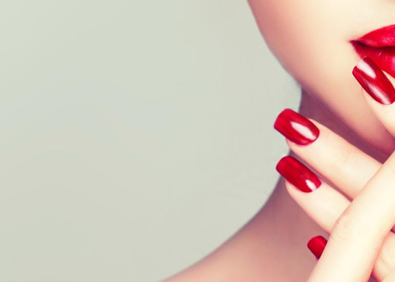 cosmeticservice-cosmetica-produzione-make-up-unghie-smalti2-3.jpg